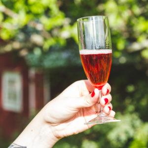 Kupliva Maijastiina - Temolan Viinitilan palkittu kuuohuviini
